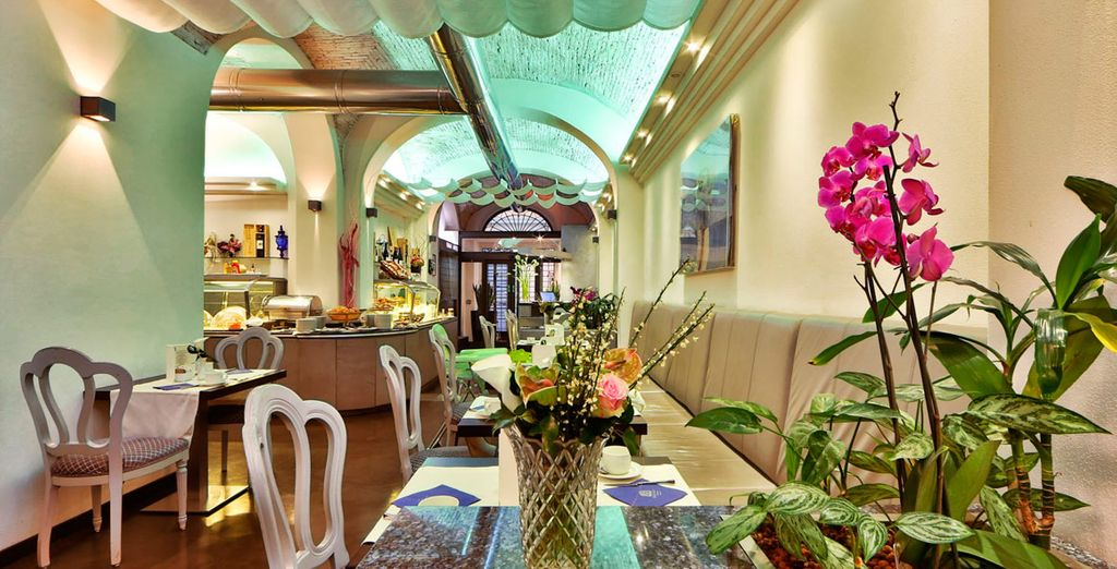 Ofrece platos típicos toscanos