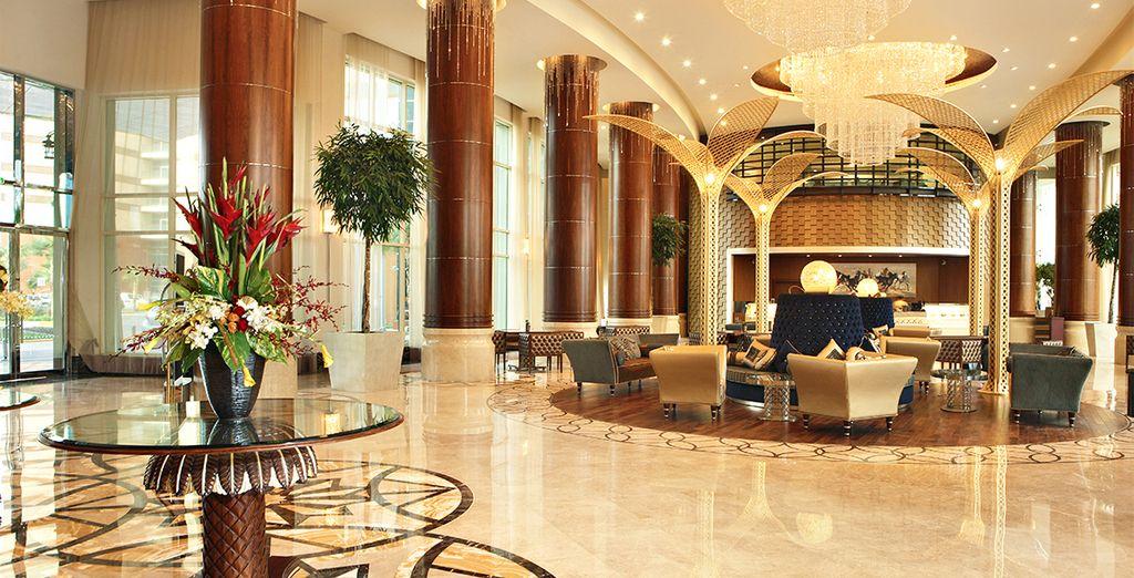 El Hotel Khalidiya Palace Rayhaan le sorprenderá en cada uno de sus detalles