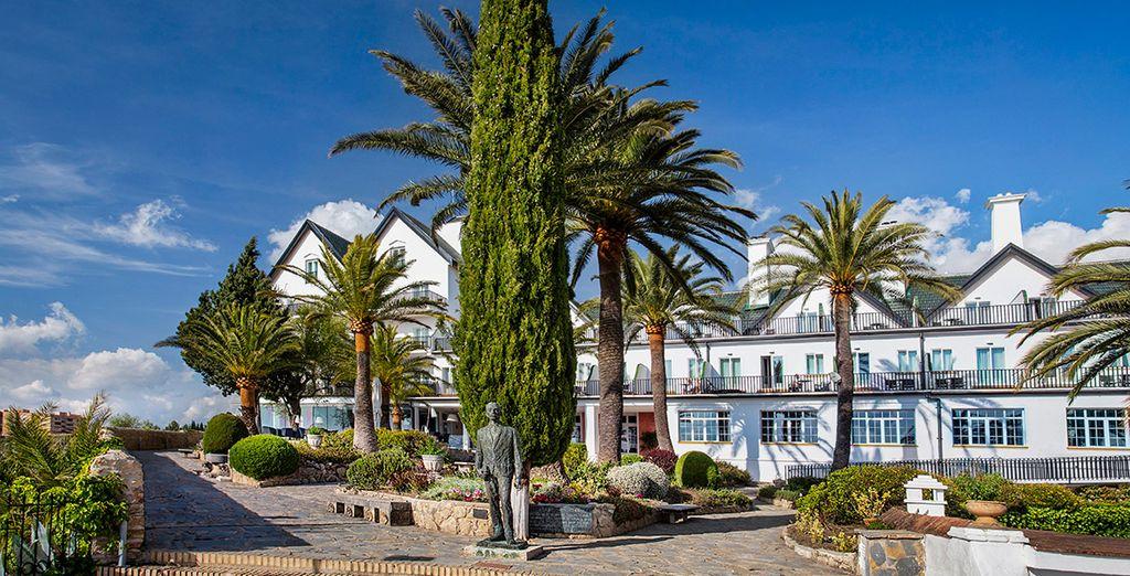 Combinado Catalonia Reina Victoria 4* y Hotel Kenia Nevada
