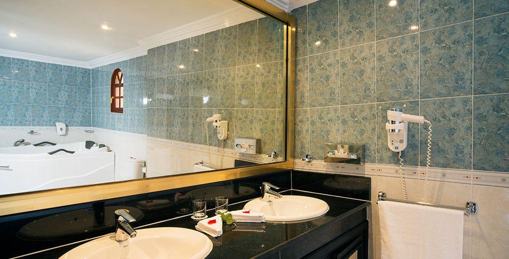 Con un baño privado completamente equipado
