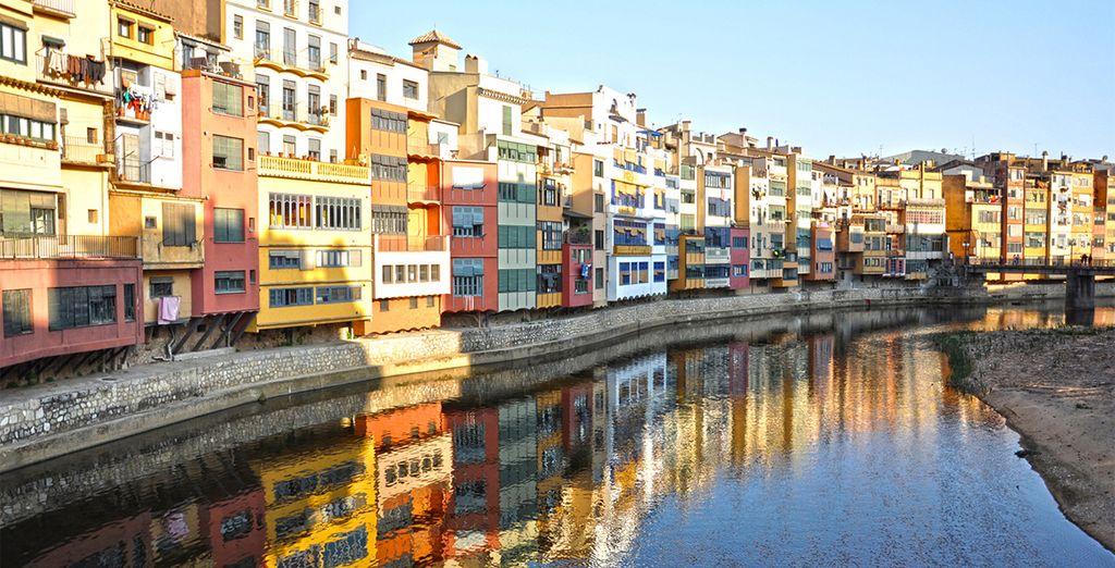Las casas del rio Onyar. Estas pintorescas casas ofrecen una imagen maravillosa de esta ciudad mediterránea