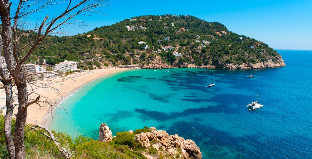 Ibiza cuenta con preciosas calas