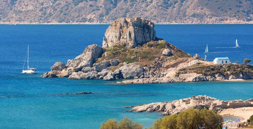 Báñese en las aguas del Egeo