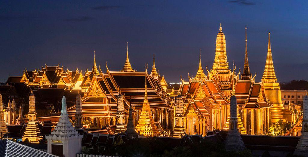 Y visita los templos más famosos, como el Wat Phra Kaew