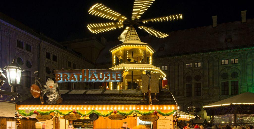Entra en calor con una taza de Glühwein mientras paseas por los mercados navideños
