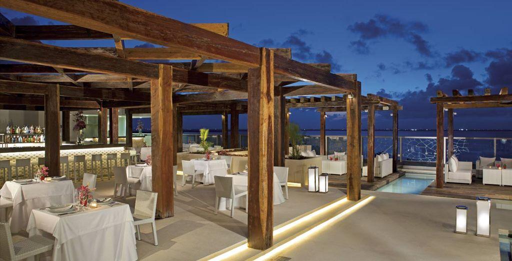 Los restaurantes también tienen mesas exteriores