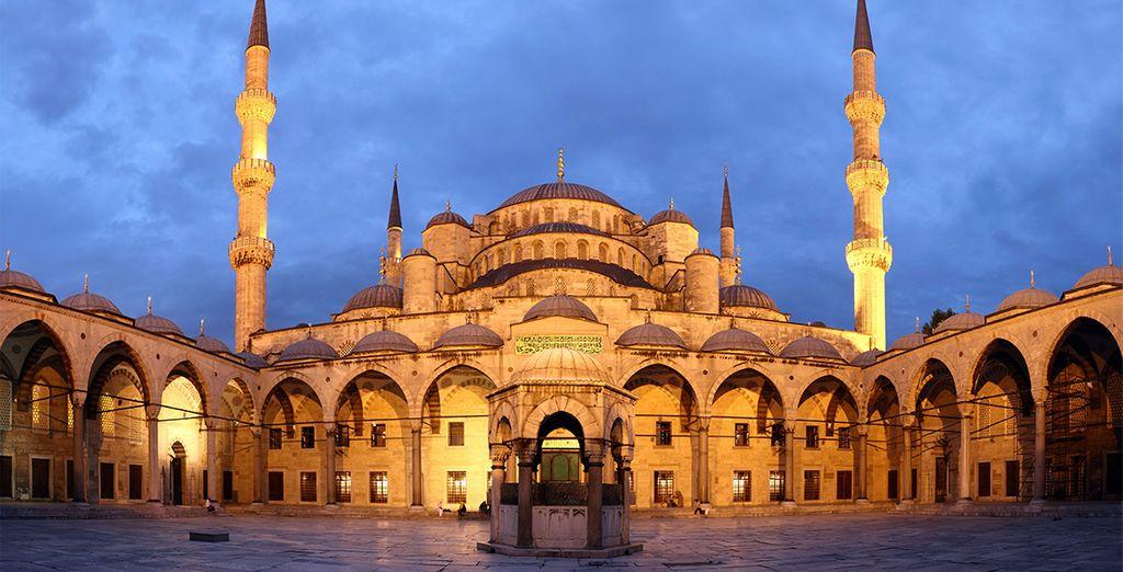 Visite la Mezquita Azul