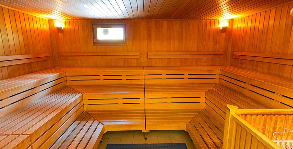 Y sauna amplia y confortable