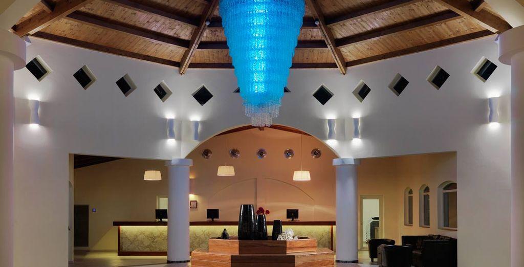 Una recepción muy moderna en tonos azules