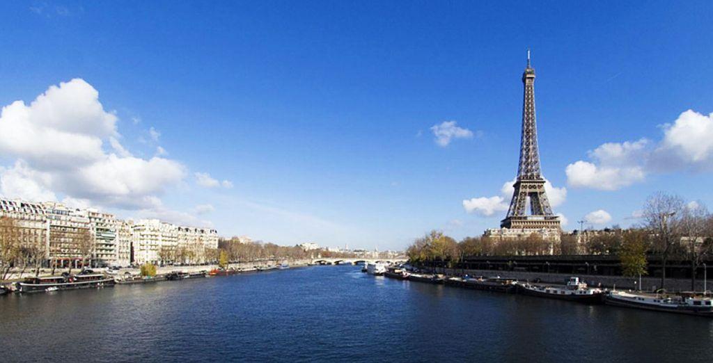Pasee por los lugares más emblemáticos de París