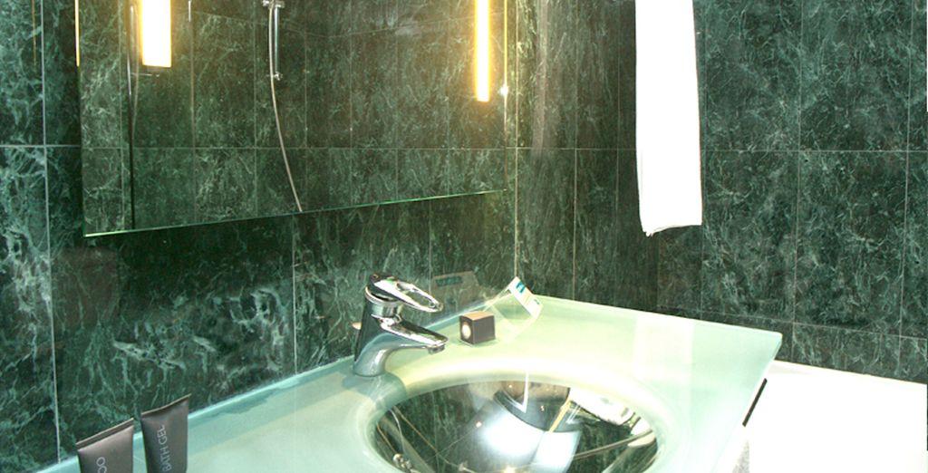 Detalle del baño de la habitación