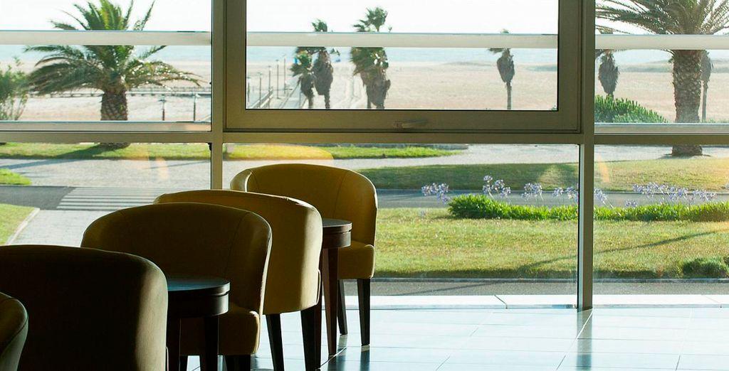 El hotel es una ventana al exterior