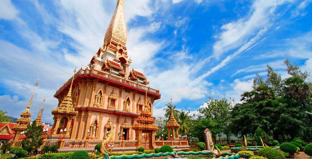 Disfrute de templos tan espectaculares como el de Wat Chalong en Phuket