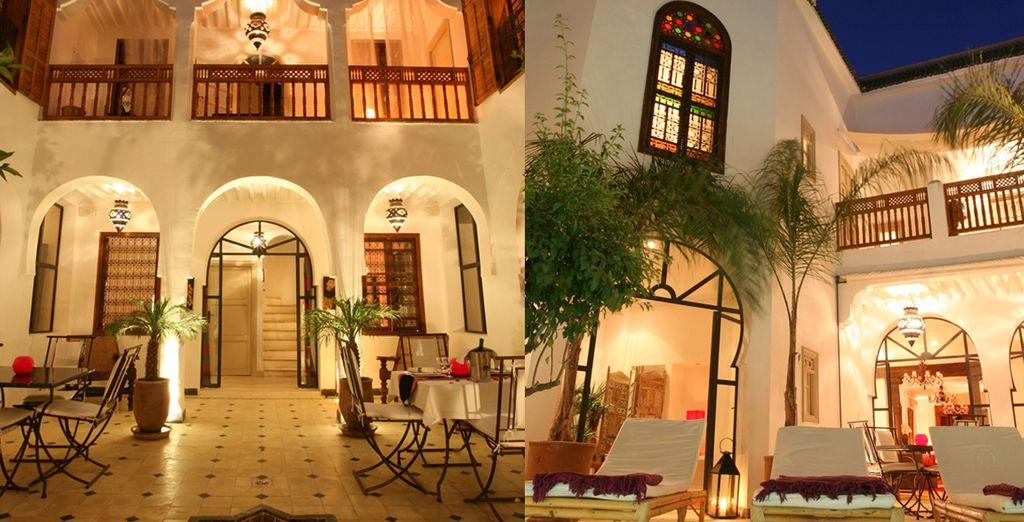 Un edificio moderno con estilo marroquí