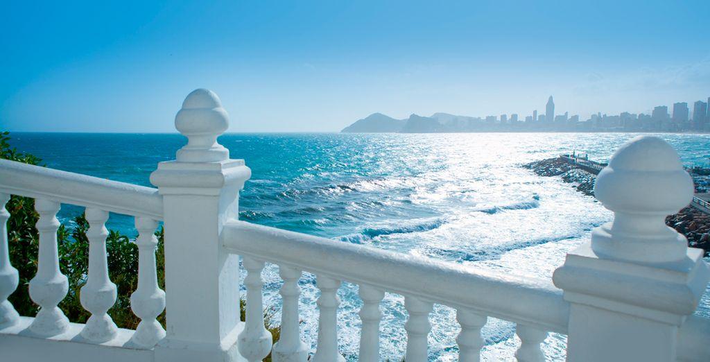 Visite las preciosas playas de la costa blanca