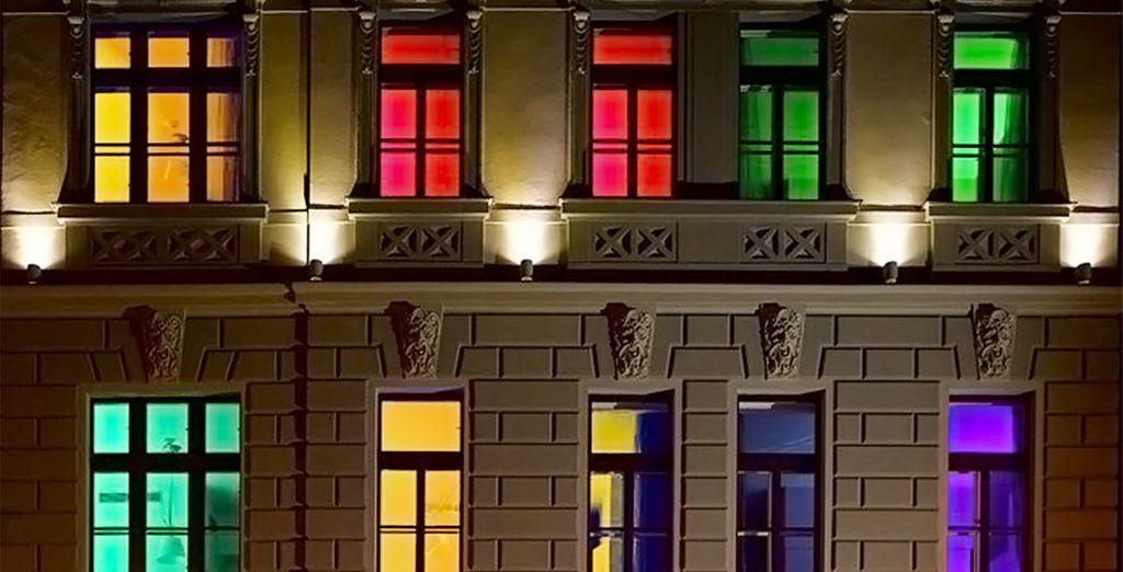 Hotel elegante y colorido situado en una zona tranquila del centro de Praga