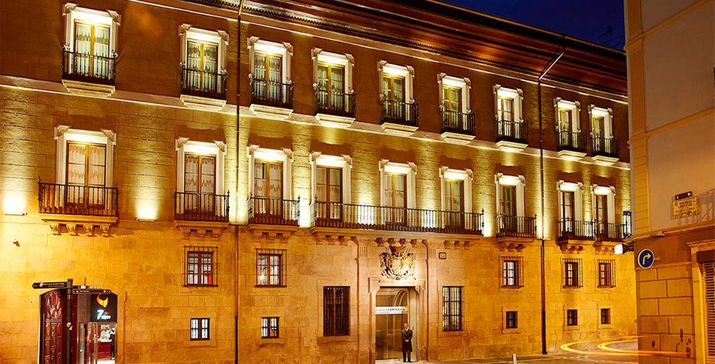 Es uno de los edificios más singulares y representativos de Pamplona