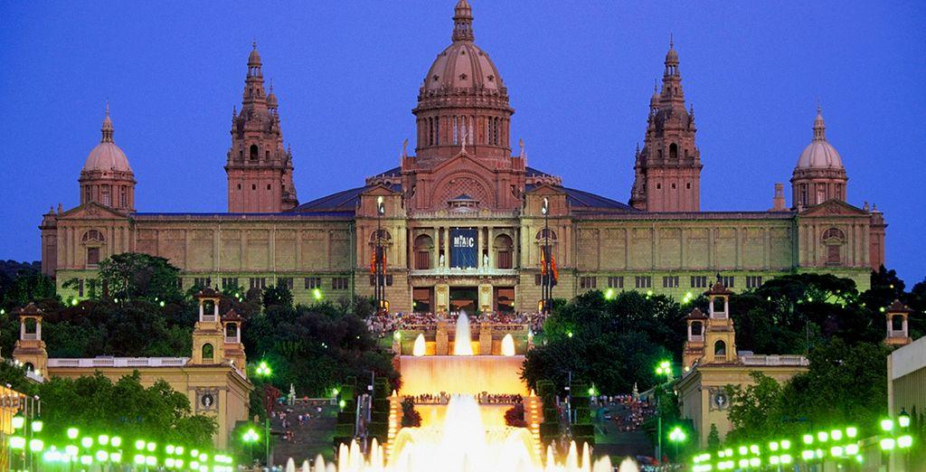 Una ciudad llena de vida y cultura. Visite el MNAC, el museo con más arte de toda Cataluña