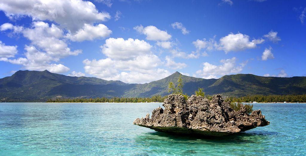 Rocas que inundan las playas