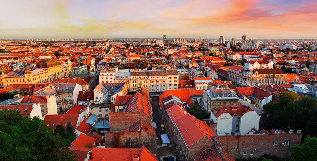 Una ciudad que conserva la influencia de Budapest y Viena