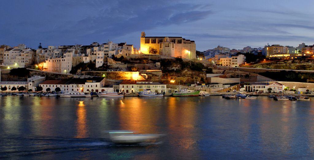 Contemple el atardecer de Menorca