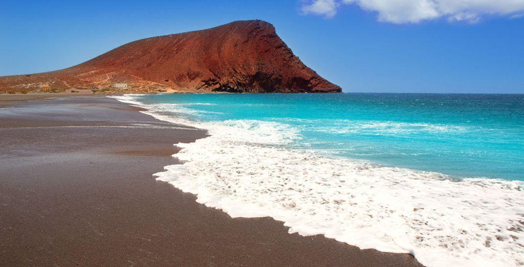 Y si lo prefiere, vaya a visitar La Tejita, considerada una de las mejores playas de Tenerife