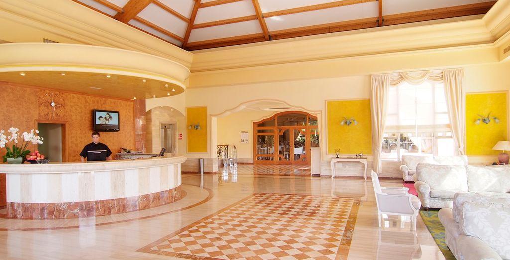 Siéntase bienvenido en este completo hotel 4*