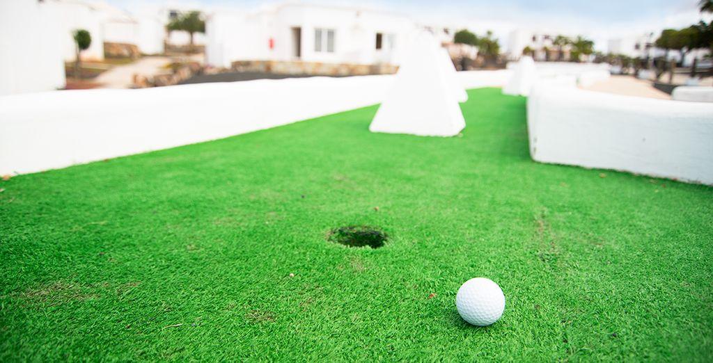 Aproveche para pasar un buen rato jugando a mini golf
