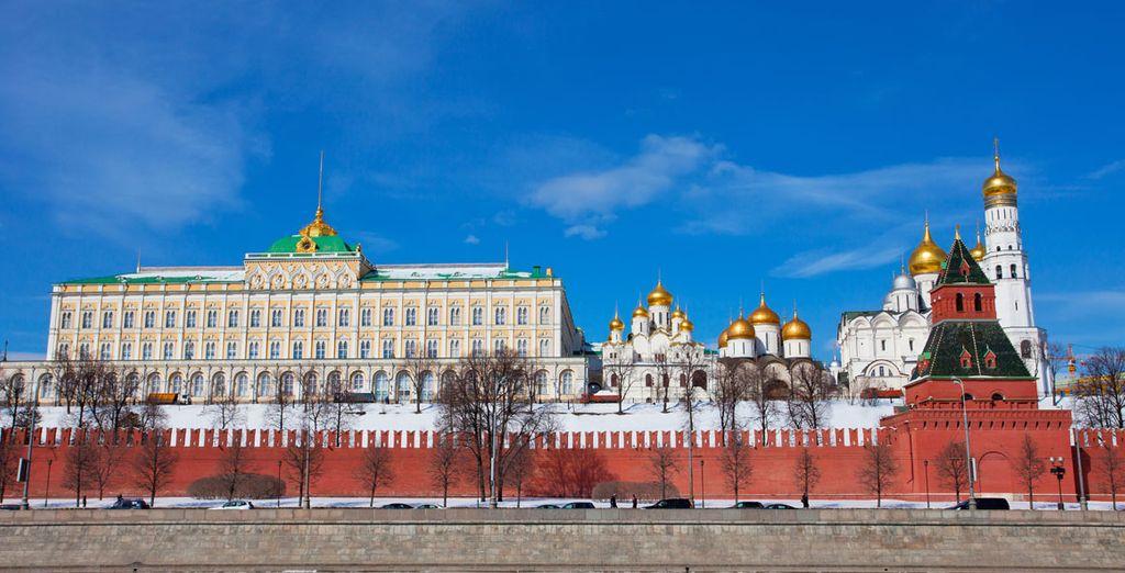 Relizarará una visita panorámica de Moscú