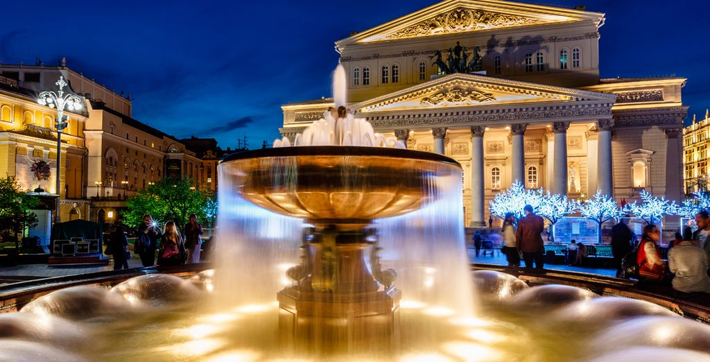 El Gran Teatro Bolshoi, sede de compañías de teatro, danza y ópera