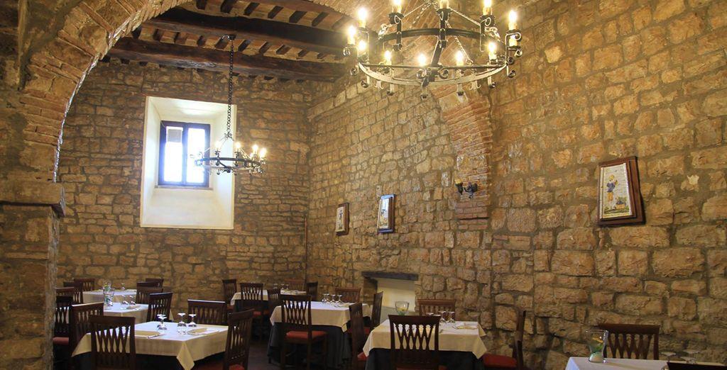 Deguste platos típicos de la región en el restaurante Il Melograno de Umbría