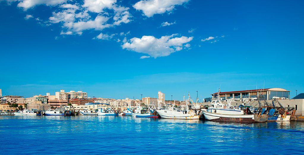 El puerto de Santa Pola, un bello lugar desde el que contemplar el horizonte