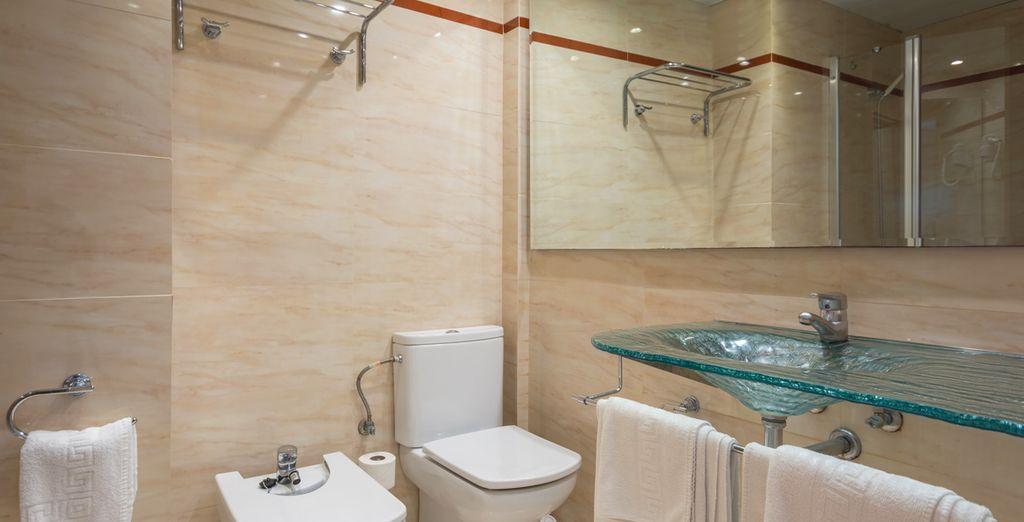 Con baño completamente equipado