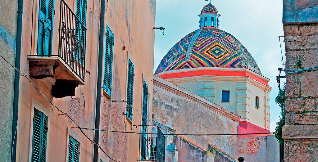 Descubra la cultura de la isla, como la de la hermosa ciudad de Alghero