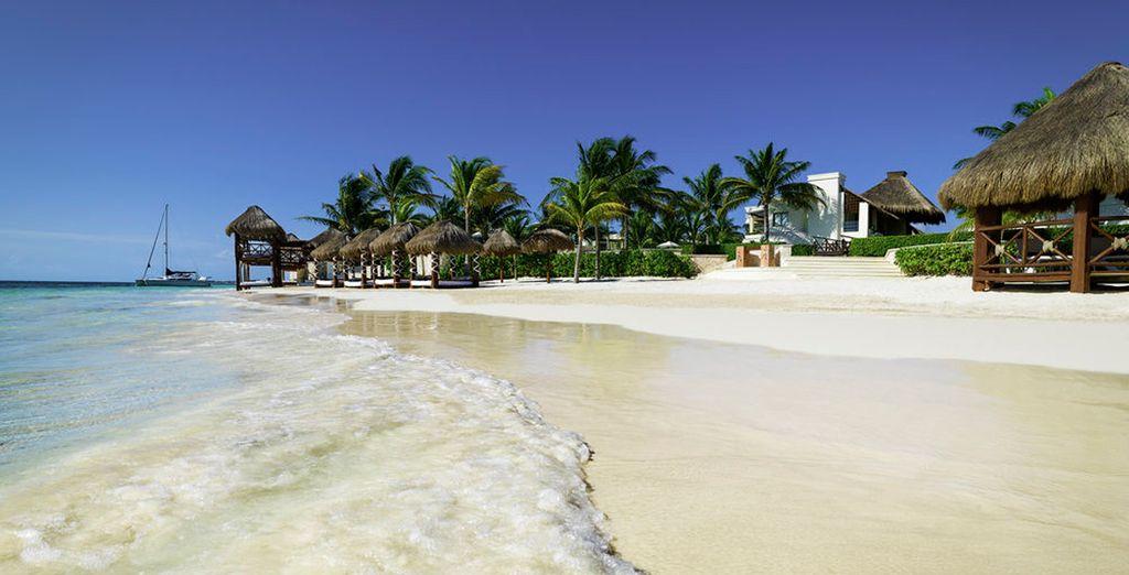 Y se encuentra en una preciosa playa a 20 minutos del Aeropuerto Internacional de Cancún