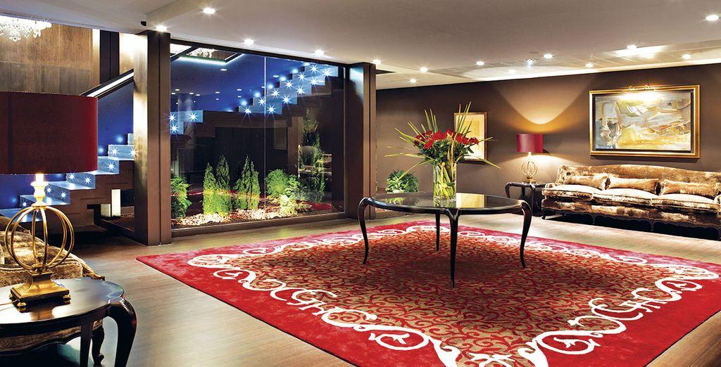Su entorno y espacios están perfectamente ambientados y sintonizados
