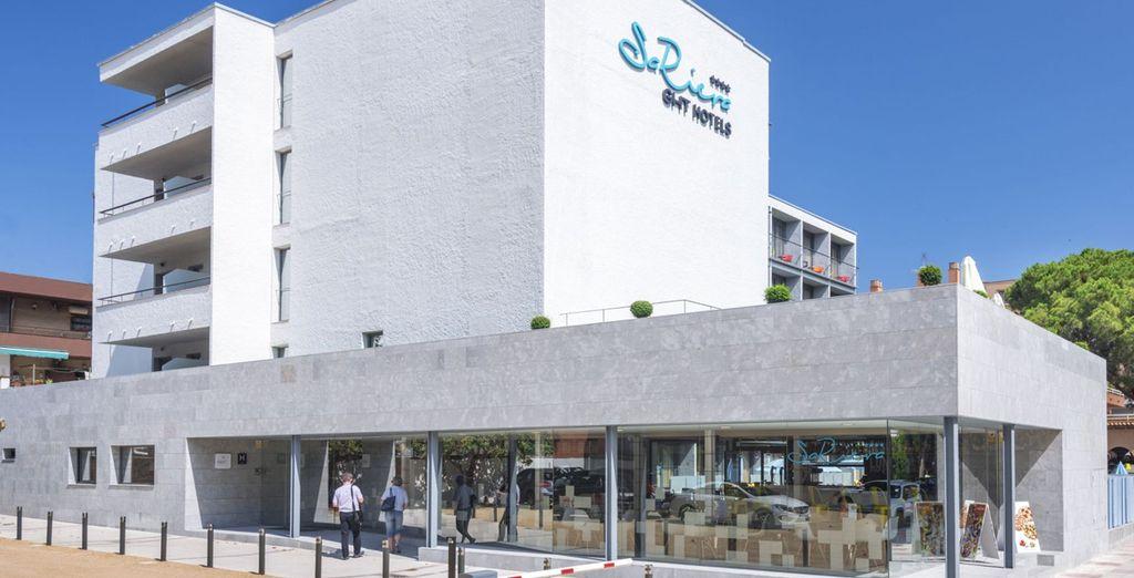 El GHT Sa Riera se ubica en el enclave idóneo entre playa y cultura