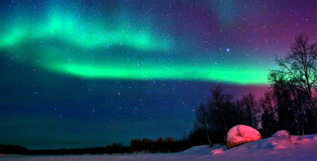 No te puedes perder las espectaculares auroras boreales en una estampa inolvidable