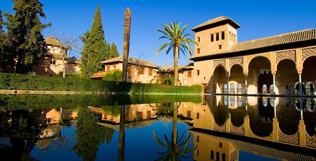 Data de mediados del s XIII, fue la residencia real de la corte de Granada