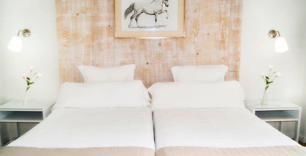 Descansa en tu confortable habitación