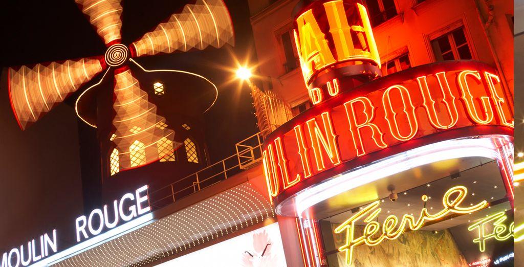 No te vayas de la capital francesa sin visitar el Moulin Rouge