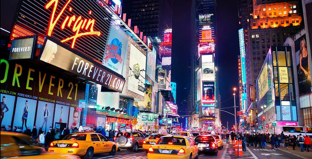 Times Square es un universo de color que te impactará por su electrizante vida