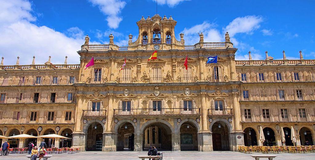 Aprovecha para visitar Salamanca, y su Plaza Mayor