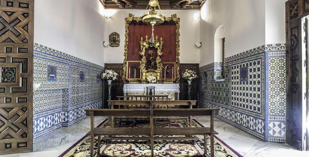 Cuenta con una bonita capilla