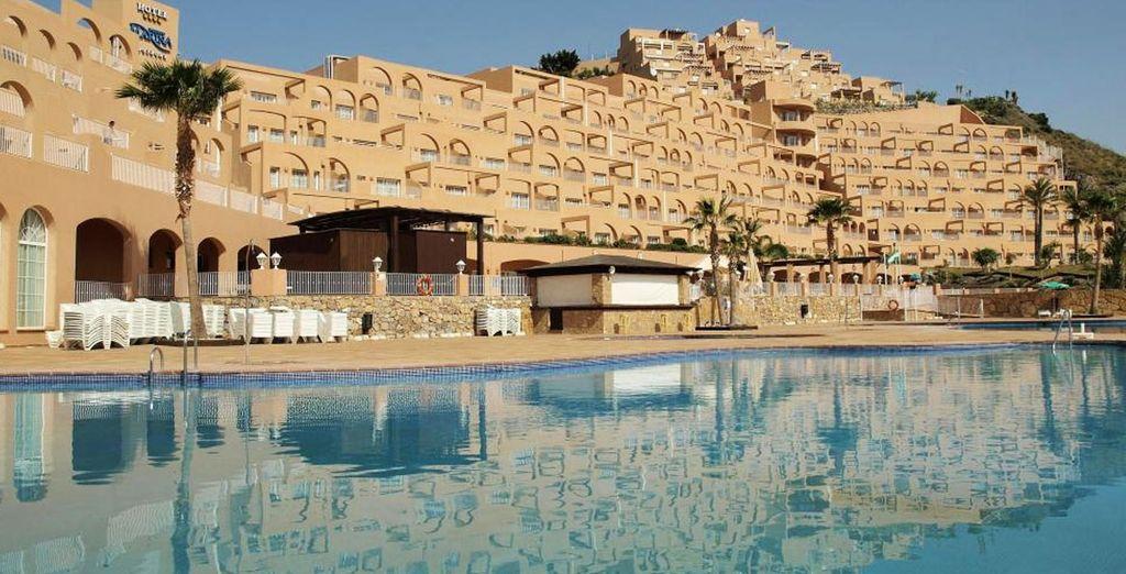 Bienvenido a Suite Hotel Puerto Marina 4*