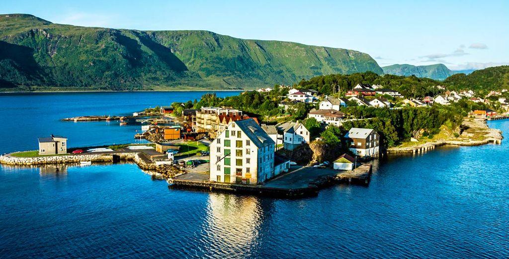 Situada en la parte occidental de la provincia de Møre og Romsdal