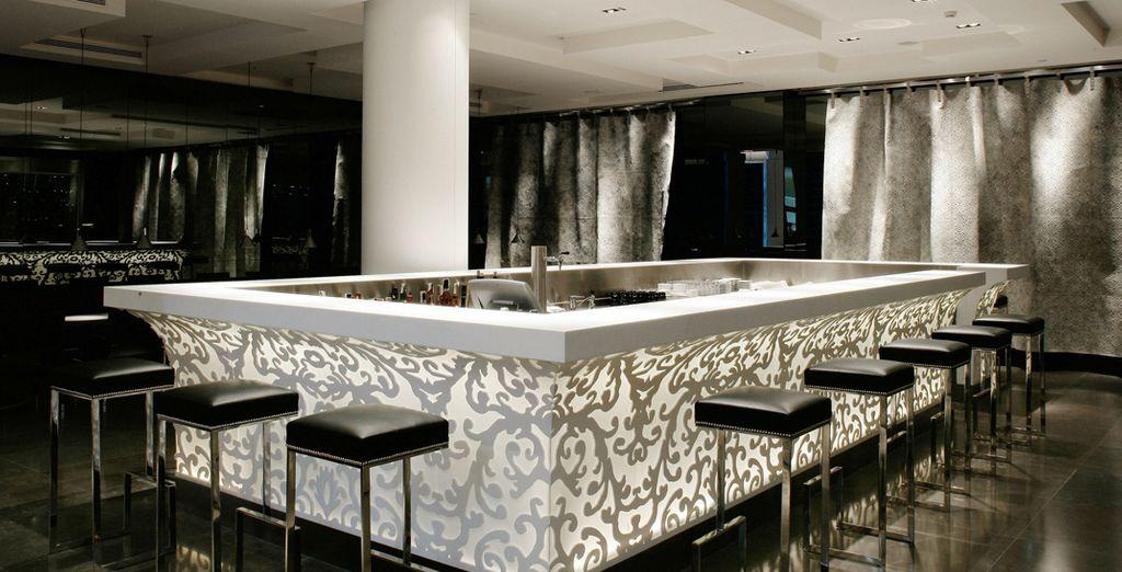 El restaurante Lágrimas Negras, en la planta baja, está diseñado por el interiorista francés Christian Liaigre