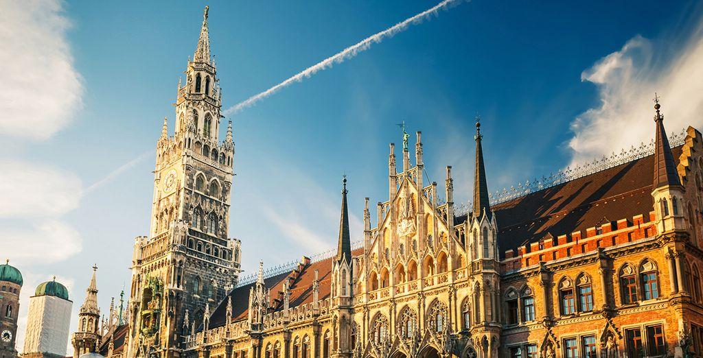 Conocerás uno de sus atractivos, la catedral Frauenkirche