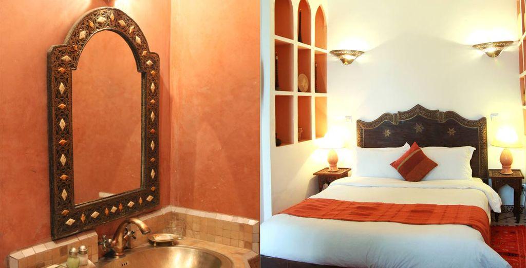 Con un baño decorado hasta el último detalle al puro estilo marroquí