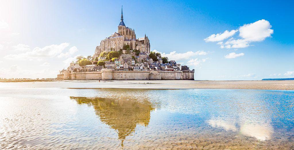 Visitarás el increíble Monte Saint Michel, fortaleza inexpugnable  - Francia Medieval París
